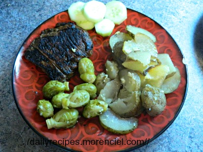 Steak with shallot marinade